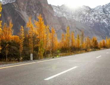 Karakoram highway beautiful road in autumn