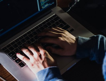 Hackers using identity theft tactics to scam consumers online