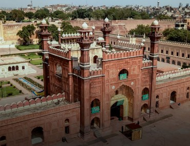 lahore is home some of the most beautiful historical buildings in pakistan