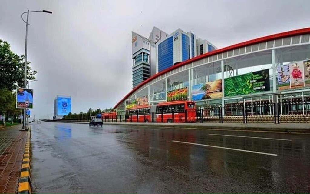 jinnah avenue is located in the heart of the capital city