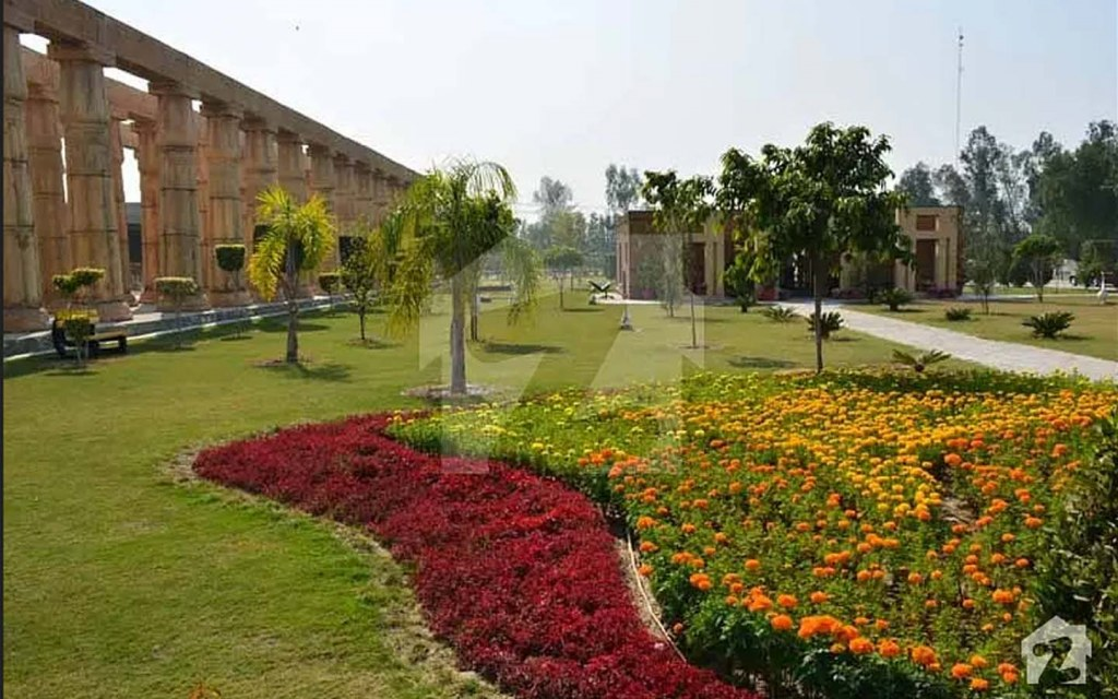 Bahria Orchard is one of the top localities to buy an office in lahore