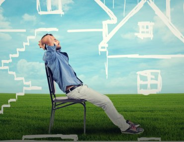 Here's a list of advantages and disadvantages of buying off-plan properties