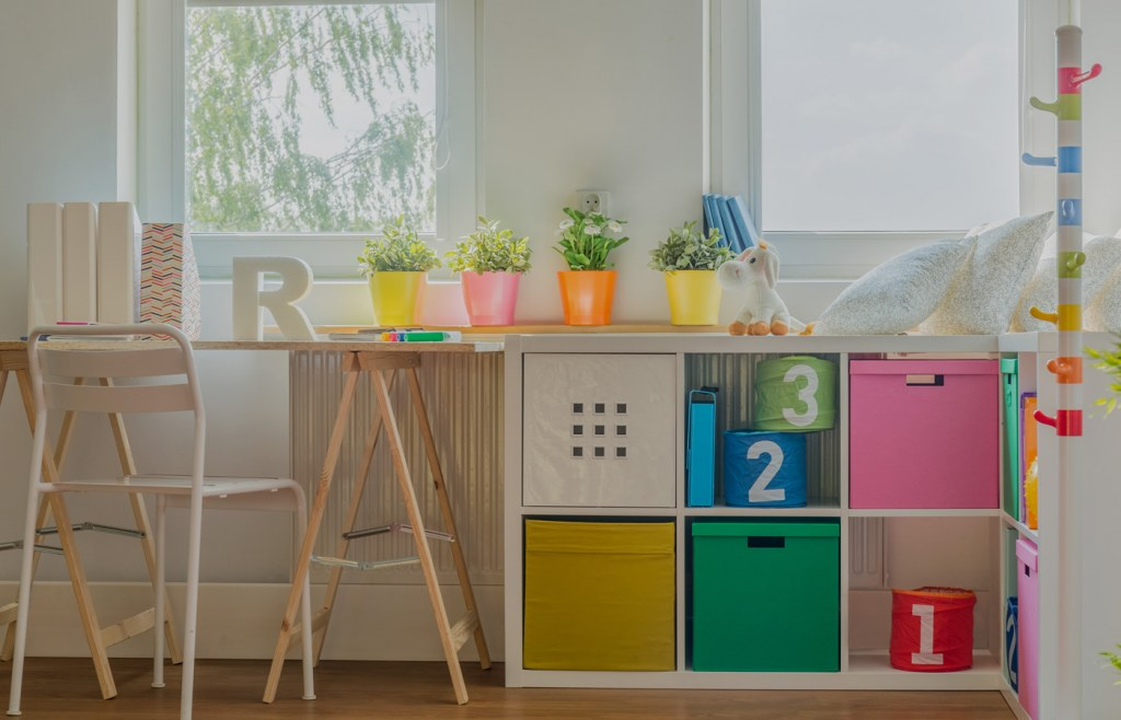Give a neat and tidy look to your study room with cabinets and shelves