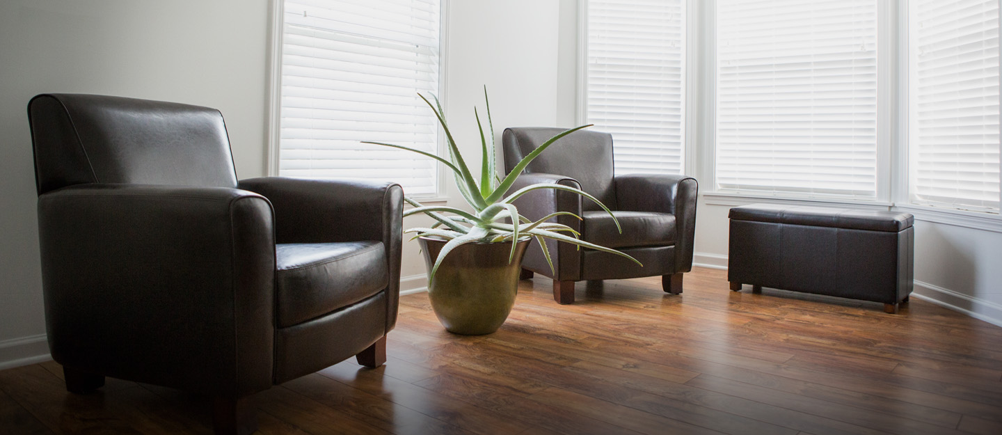 how to remove scratches from laminate flooring