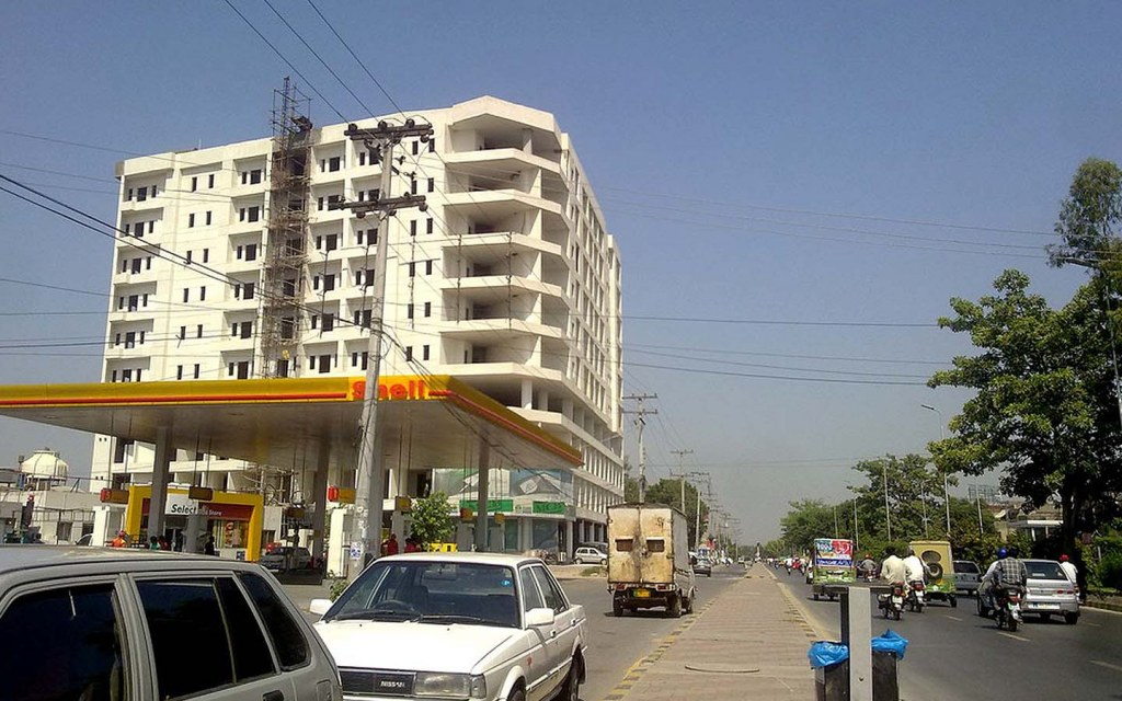Johar town is a fully developed neighbourhood in Lahore