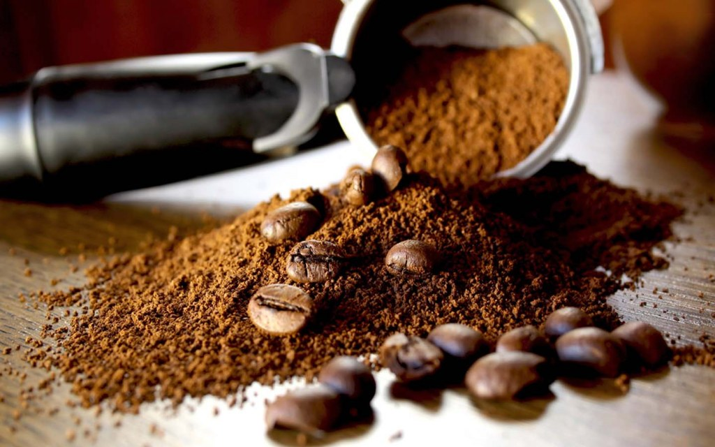 removing paint odours with coffee