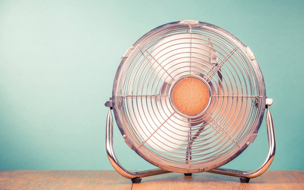 use a fan to get rid of oil-based paint fumes
