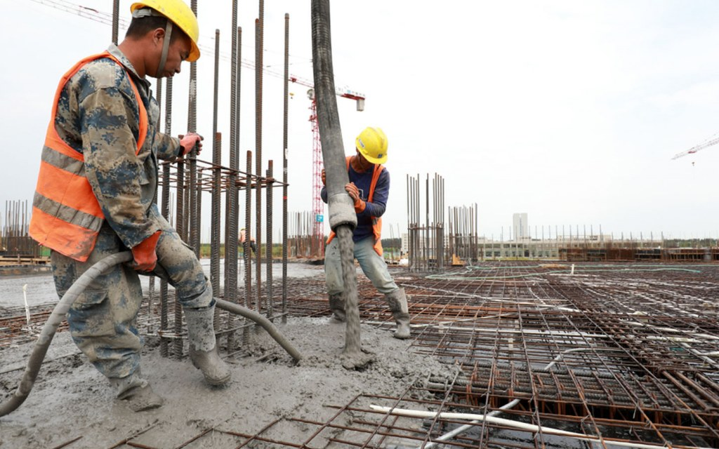 rebar is used in construction of grey structure