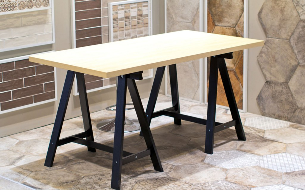cheap DIY desk to enhance your home office on a budget