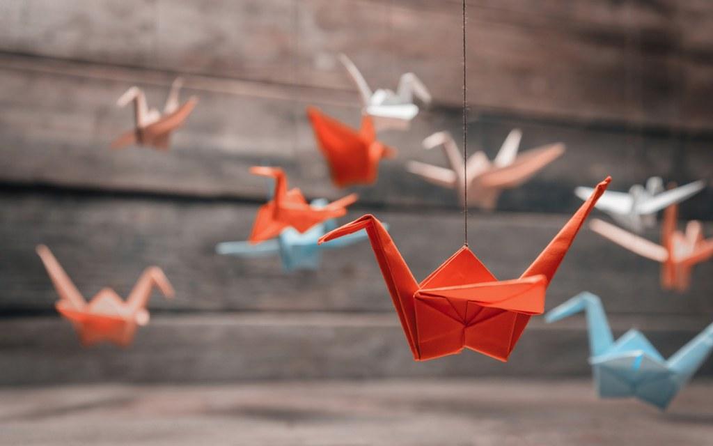 DIY Tutorial - Origami Cranes | 640x1024