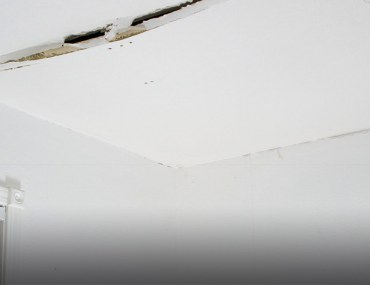 how to fix cracks in the ceiling