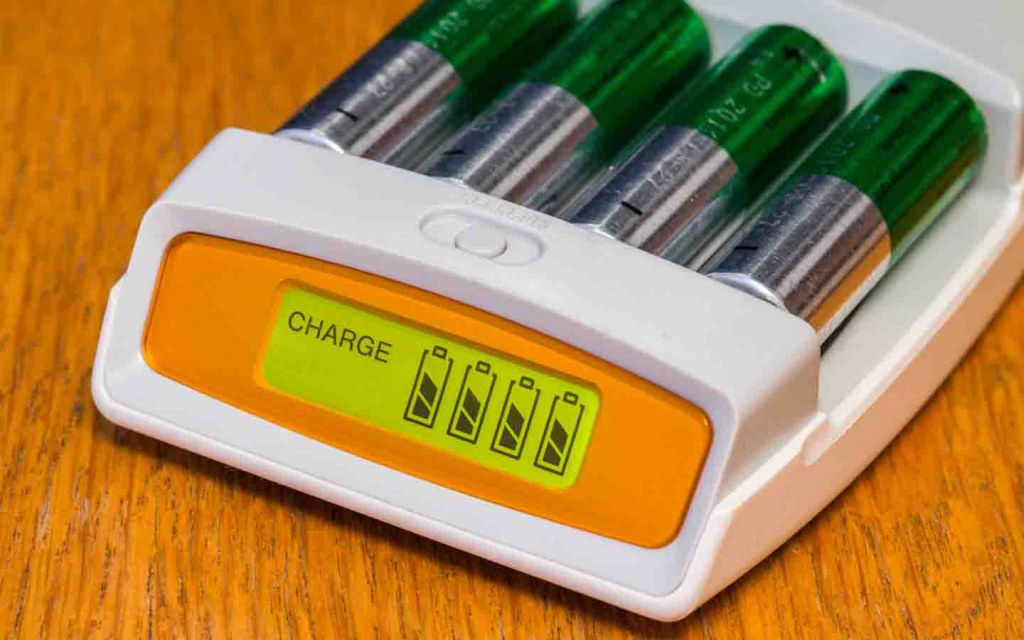 make use of rechargeable batteries