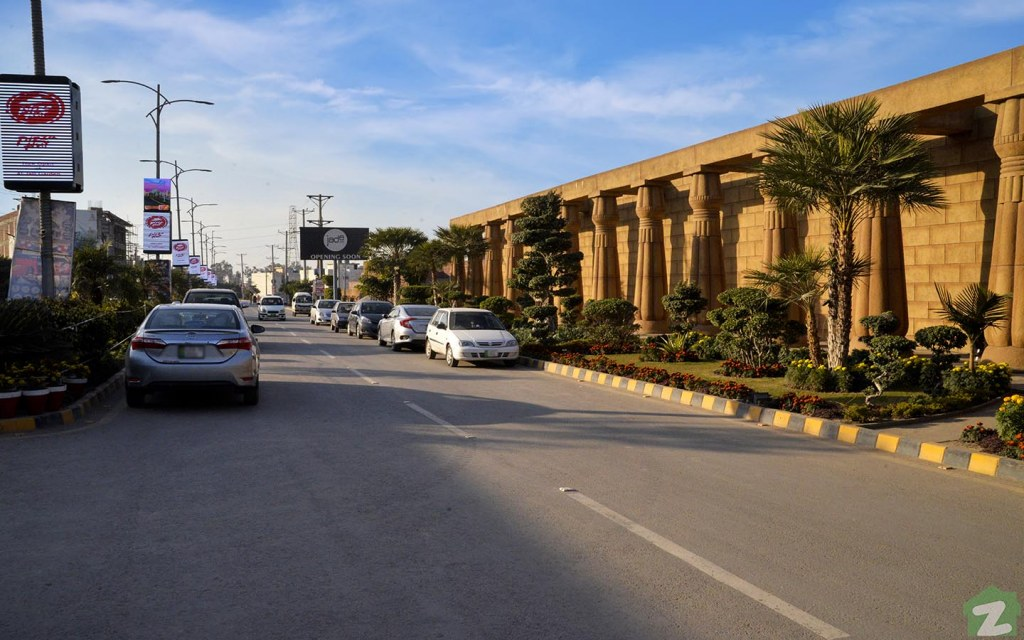 Beautiful Roads in Al-Jalil Garden