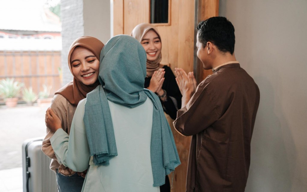Visiting each other's homes on Eid in Malaysia