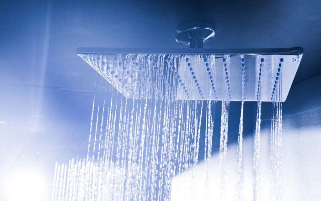 Ceiling shower gives a rainfall effect in the bathroom