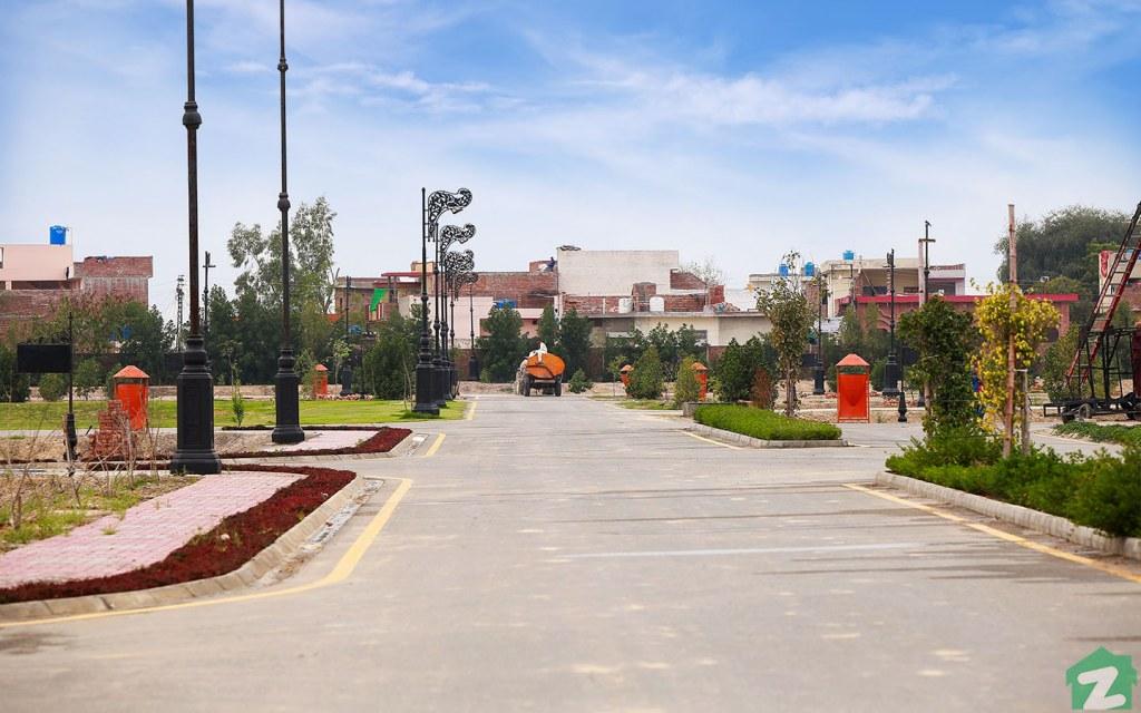 Main Boulevard, Palm City, Lahore