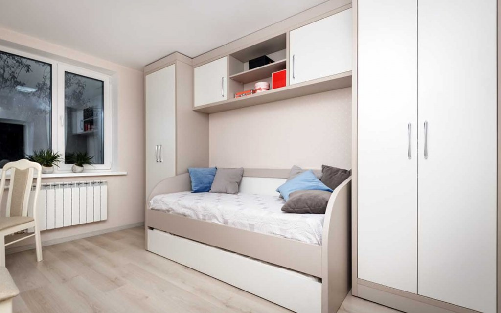 space saving furniture to decorate a small house