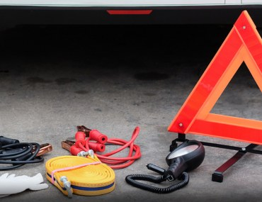 Items You Need to Have in Your Car Emergency Kit