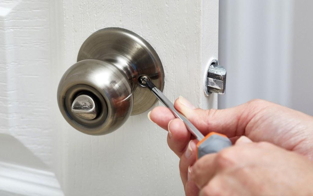 new door locks should be among your new home essentials