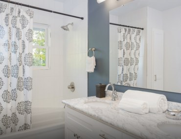 Types of Shower Curtains