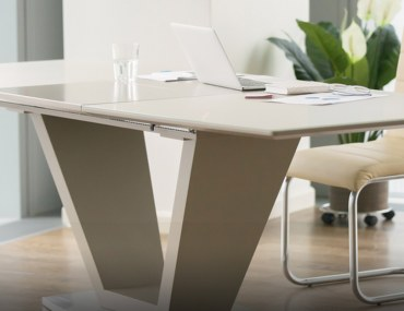 decor ideas for your writing desk