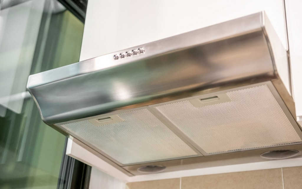 keep the mesh filter of your range hood clean