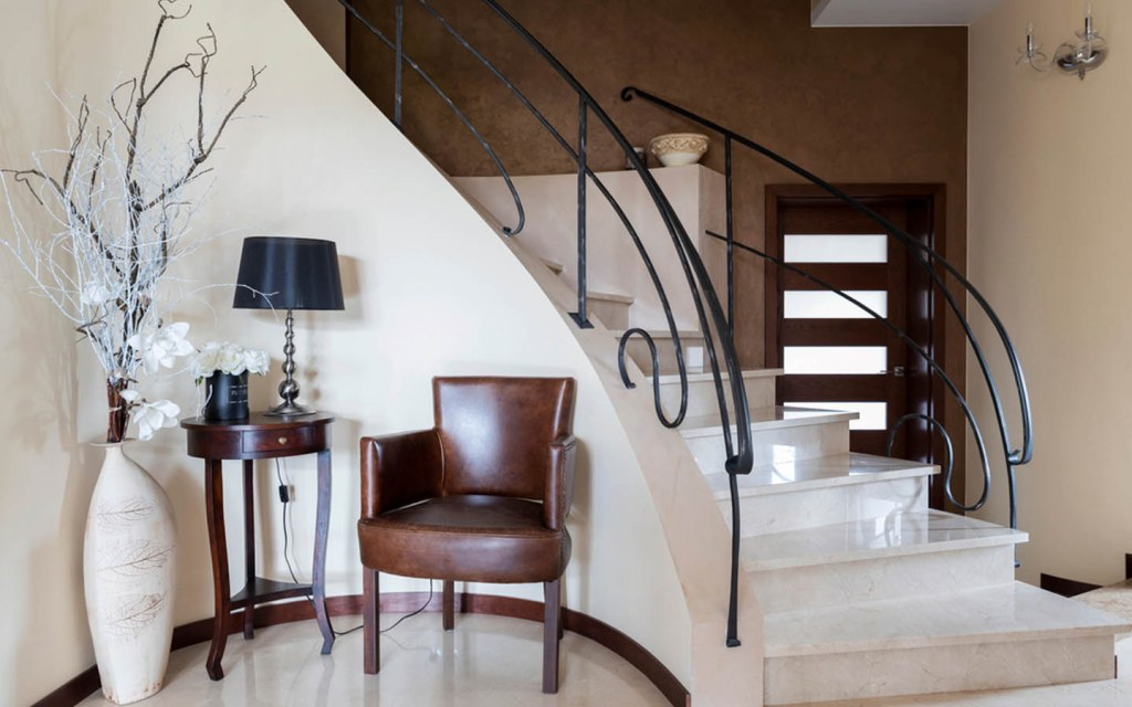 Marble stairs are best for grand entrances