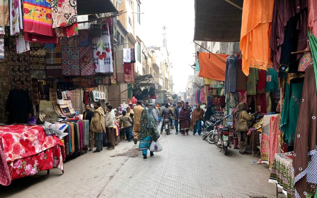 Bazar near Kashmiri Gate in Lahore