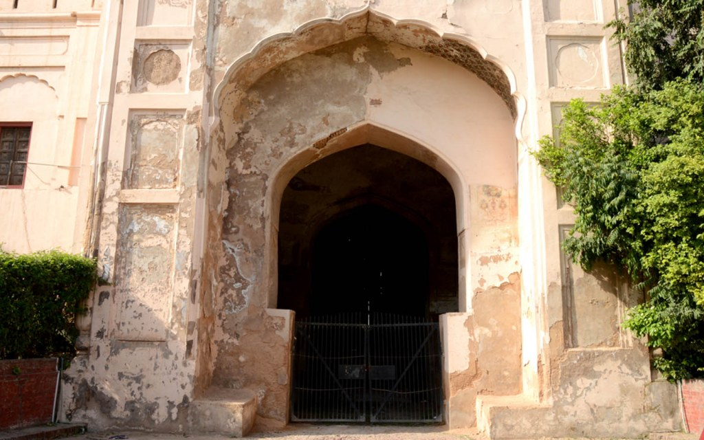 Roshnai Gate in Lahore