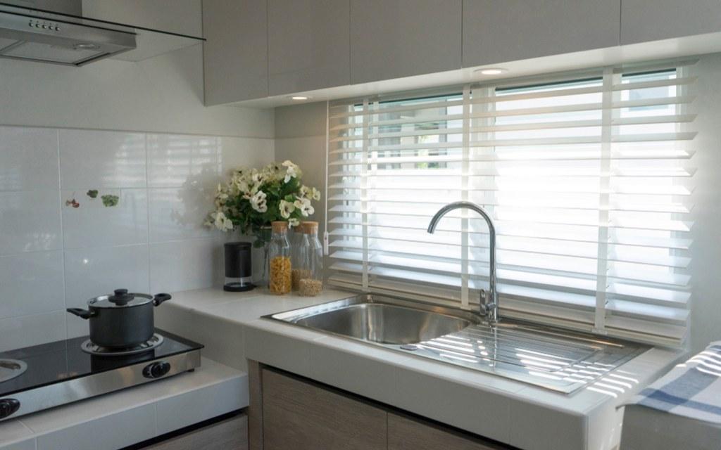 Window blinds in kitchen