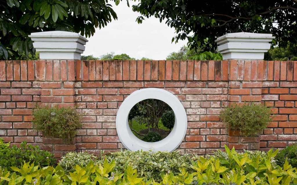 bricks can be the best boundary wall material