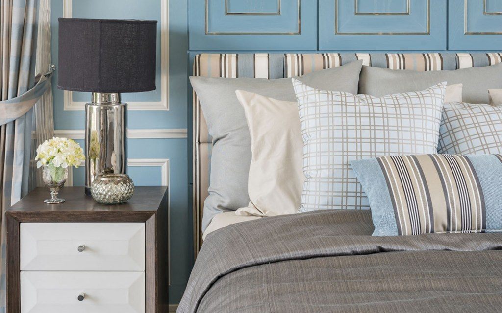 buying bedding and pillows for your bedroom
