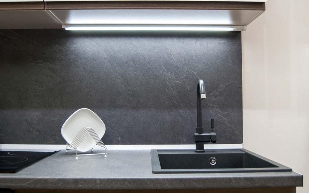 laminate kitchen countertops look