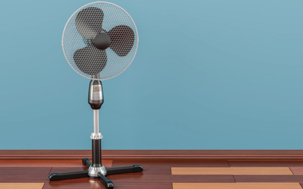 pedestal fans come with plastic and metal bodies