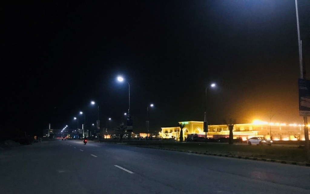 Streetlights in DHA Multan