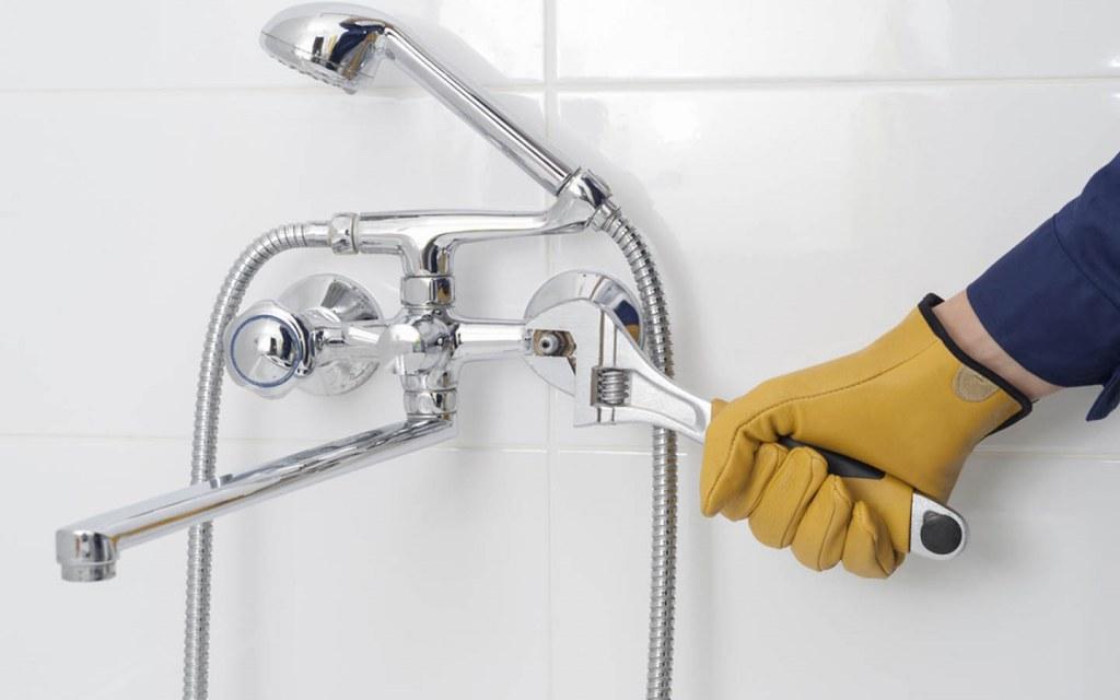 repair a leaky bathroom faucet