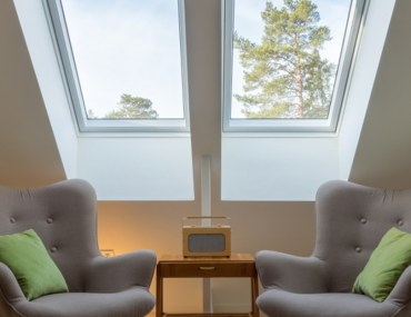 pros and cons of installing skylights at home