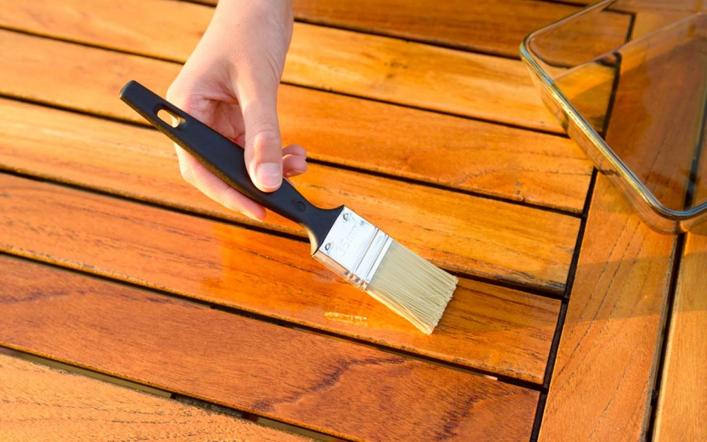 maintenance of teak wood furniture