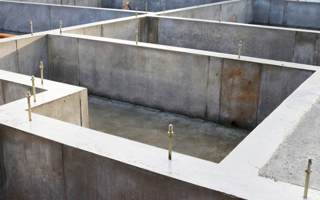 uses of plinth in the construction industry