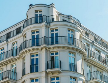 Pros and Cons of Living in a Corner Apartment