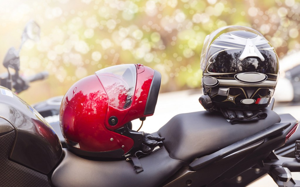 wear helmets to reduce bike injuries