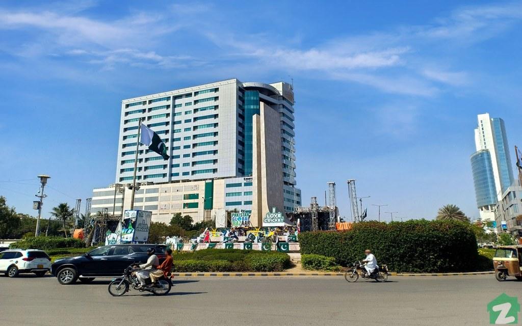 Living Facilities in Zamzama Commercial