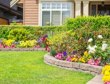 Benefits of Hiring a Landscaper for Your Garden