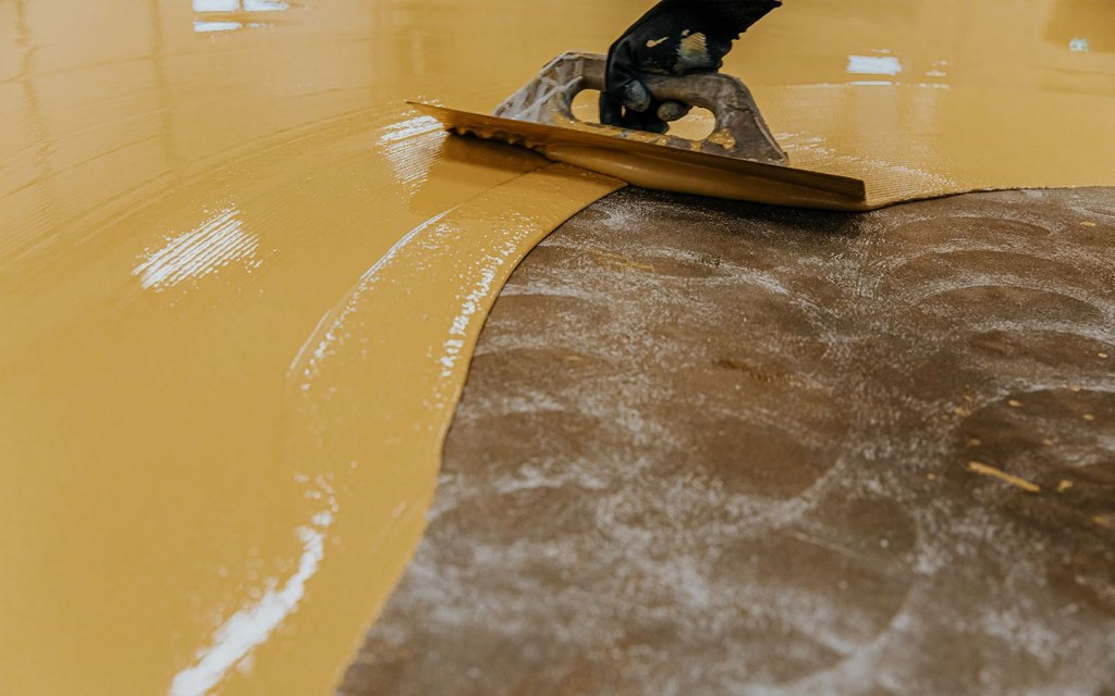 durability and shiny look of epoxy paint