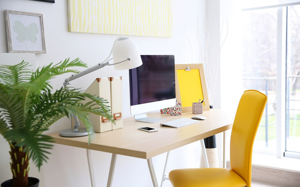 decluttering tips for your desk
