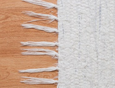 rugs to make your room look bigger