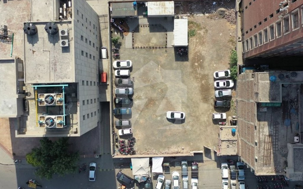 basement parking in dawood heights