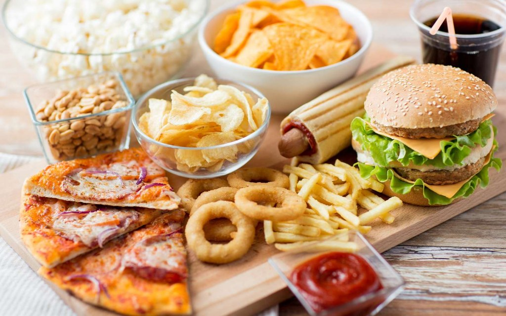 fast food in cafes