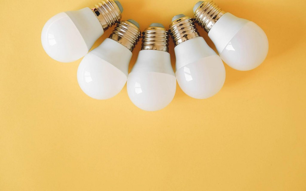 types of bulbs for kitchen