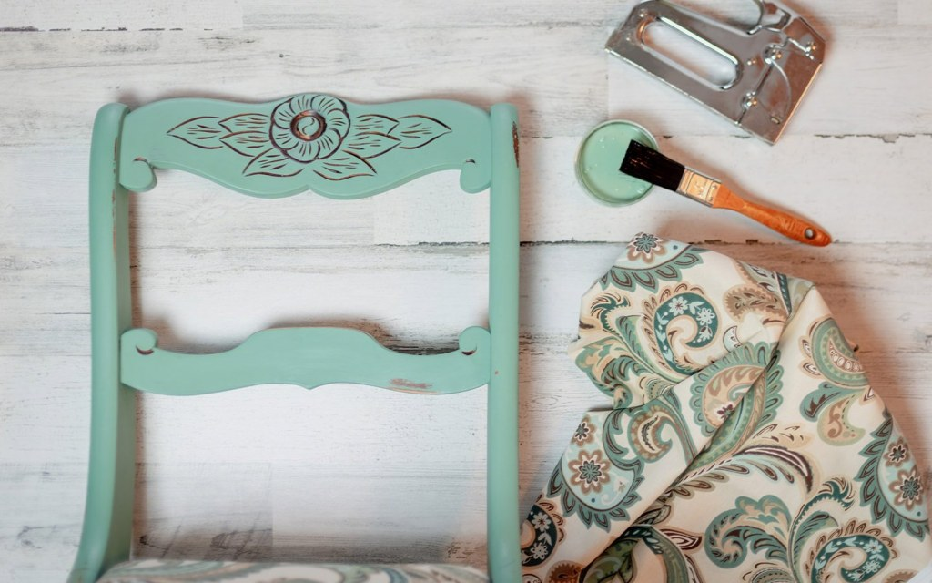 paint your furniture to refresh your home décor